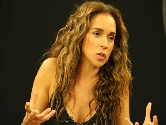 """Daniela Mercury afirma que é errado haver programas evangélicos na TV e dispara: """"Quem precisa de pastor é ovelha"""""""